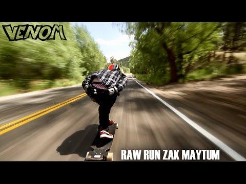 Raggiunge i 112 km/h su uno skateboard