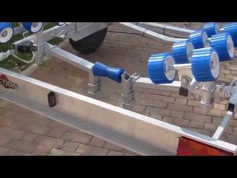 Rimorchio trasporto imbarcazioni barche gommoni modello CAPRI 1300