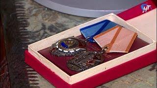 Бойцы поискового отряда «Находка» вернули ветерану труда украденные награды
