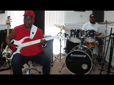 Robert Harper & TaylorMadeDrummer - Bass/Drum - Funk Groove Series (Part 1)