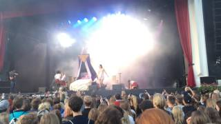 Beatrice Eli & JUCK - Party in my pants @ Liseberg Vierge Moderne 2015