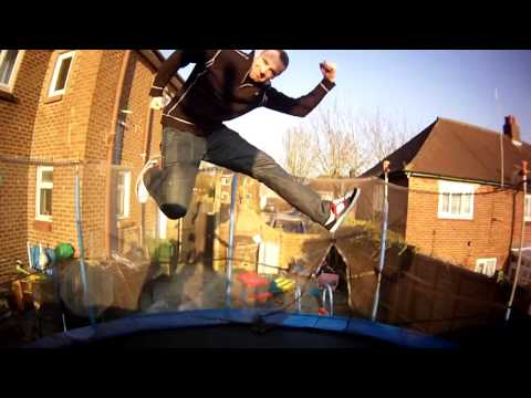 Jumping on Trampoline Twixtor