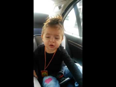 Beba pjeva Joj Joj (видео)