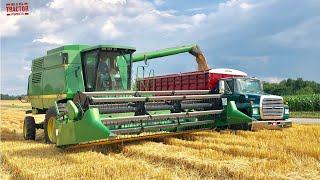 JOHN DEERE 9500 Combine Harvesting Wheat