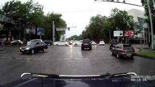 Нелепое ДТП, Алматы, Казахстан, 23 мая 2016