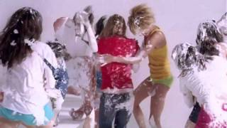 Battles - Ice Cream (feat. Matías Aguayo) (2011) [Dirigido por CANADA]