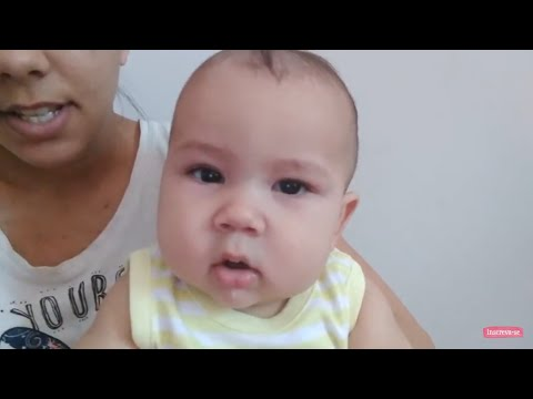 Foto de dermatite atopic na cabeça da criança