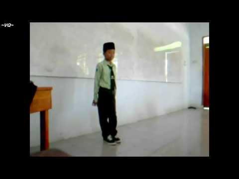 Bocah SMP NURIS Jember Nyanyi Lagu Wandra - Kelangan