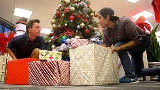 Zach King Brings Christmas Bling to Klick!