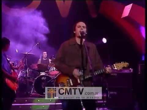 Dios Los Cría video El perro - CM Vivo 2002