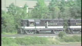 preview picture of video 'Fallen Flags:  Southern train 121 in Alexandria'