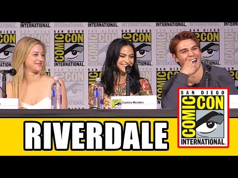 RIVERDALE Comic Con Panel Part 1 - Season 2, News & Highlights | MTW