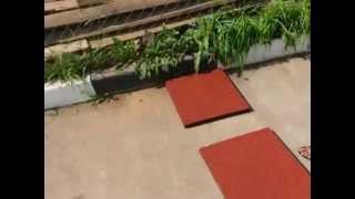 Укладка дорожки из резиновой плитки видео