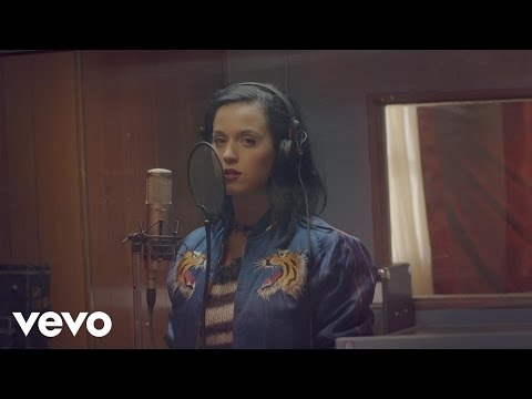 Katy Perry - Roar - Satin Cape