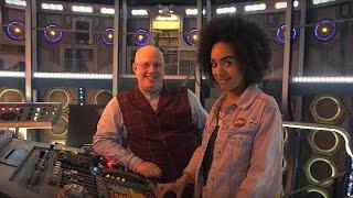 Un tour du TARDIS avec Matt et Pearl