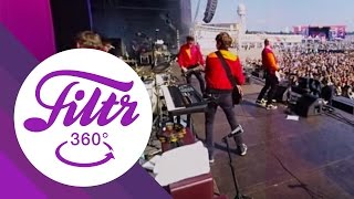 "Everything Everything ""To The Blade"" - 360° (Live@Lollapalooza Berlin)"