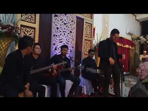 Leggy band akad cover payung teduh (sigit khamdani n friend wedding islamic centre bekasi)