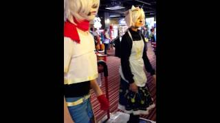 Undertale Cosplay  - Papyrus And Toriel Dance