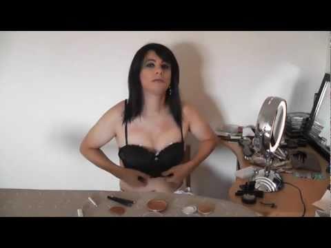 Le porno de lactrice laugmentation de la poitrine