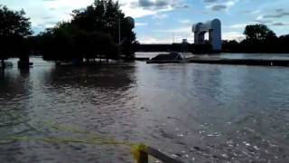 preview picture of video 'Hudson River Flooding Troy NY: Irene'