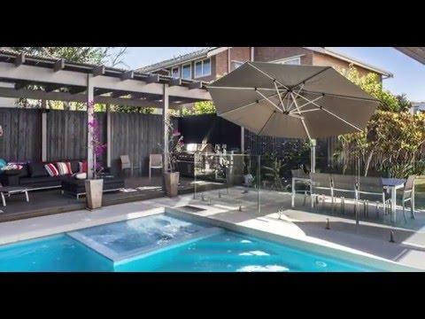 Video Introducing Frankford Umbrellas