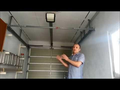 Einbau eines elektrischen Garagentoröffner