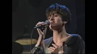 Everything But The Girl - Driving - (Live on Late Night with David Letterman, 1990)