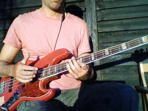 L246 E major pentatonic slap bass melody
