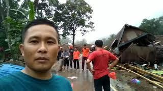 BMH dan Komunitas Kunjungi Korban Longsor Pattallikang Kecamatan Manuju