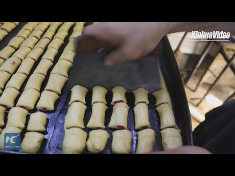Date-filled cookies: Iraqis' favorite