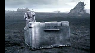 男子在外星活命,全靠一个铁箱子,有了它再强大的怪兽也无可奈何!