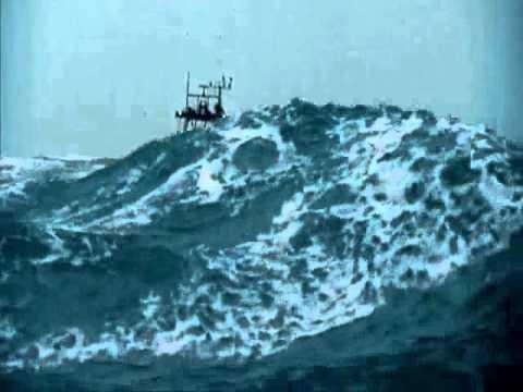 Impresionante Temporal y Barco navegando