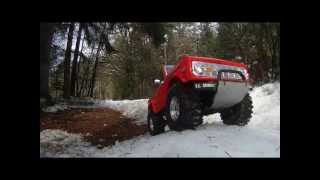 preview picture of video 'XC CC01 Ford Bronco Snow and Fun'