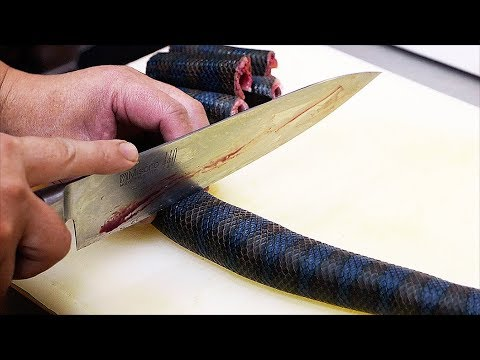 Japanese Street Food - VENOMOUS SEA SNAKE Okinawa Seafood Japan
