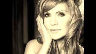"""Video thumbnail of """"Ghost In This House - Alison Krauss"""""""
