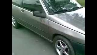 locked car opening very easy of knife.mp4