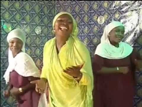 Nigerian Yoruba Islamic Music -  'Eni Aye Nfe' by Hajia Kafayat Adebola