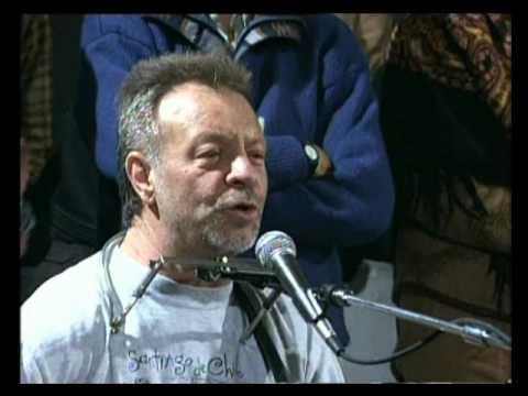 León Gieco video Sólo le pido a Dios - En vivo 2000