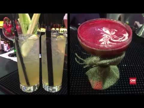 Video Meracik Cocktail Nikmat ala Mixologist Profesional