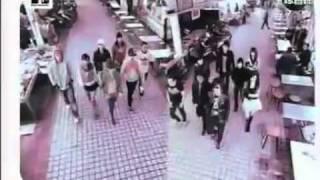 Gambar cover 丁当Della - 踹来共 MV (MTV台湾首播完整版)