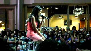 jessica jarrell, Jessica Jarrell Up & Running Fashion Show Mall Las Vegas 8-22-11