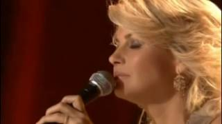 Faith Hill - The little drummer boy