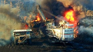 Super Dangerous Excavator Fails & Funny Heavy Equipment Gone Wrong