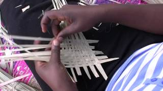 preview picture of video 'Traditional African Weaving in Uganda'