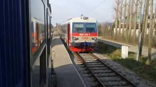 preview picture of video 'Zugkreuzung & Ausfahrt - Traiskirchen Aspangbahn (5047)'