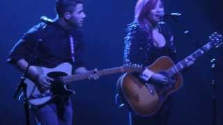 Demi Lovato and Nick Jonas duet - East Rutherford New Jersey - Neon Lights Concert 2014