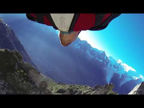 Wingsuit's amazing Stunts