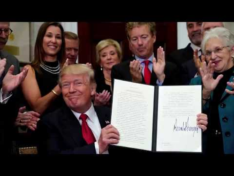 Trump ending lower-income Obamacare subsidies | Los Angeles Times