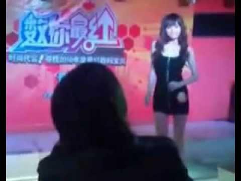 中国 美女コンテストで全裸になった女性 - YouTube