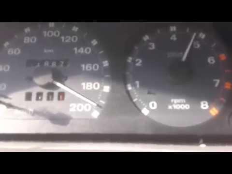 Die Motoren boots- das Benzin